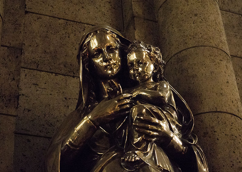 Arc de Triomphe and Sacre Coeur Basilica: Paris, France
