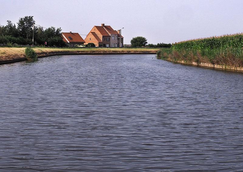 Veurne, Belgium to Dunkerque, France